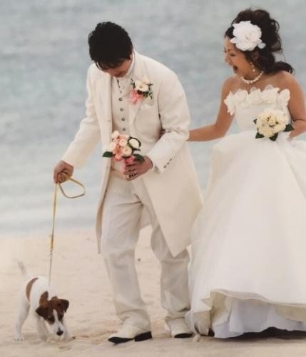 沖縄での結婚式にはマイトも参列した