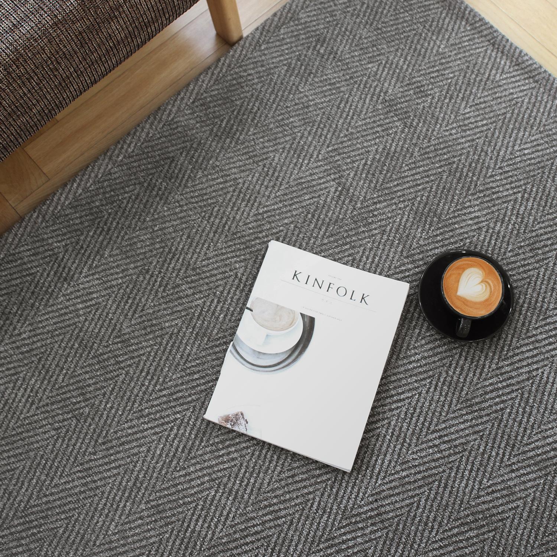 쇼콜라 헤링본 패턴 극세사 러그카페트 (95x150cm) 3color 거실물세탁가능