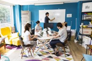 株式会社SQUEEZEの<実務で語学力を活かせる・学べる>表参道でカスタマーサティスファクションインターン!のサムネイル画像