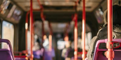 【バス業界研究】バス業界ってどんな業界?業界の特徴や仕事のサムネイル画像