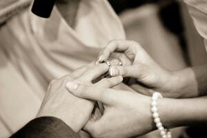 【ブライダル・冠婚葬祭業界研究】高齢化で安泰?現在の動向や仕事内容についてのサムネイル画像