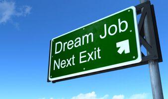 夢で終わらせない!海外で就職する方法とは?のサムネイル画像