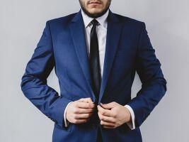 就活男子のネクタイ事情とは?好印象を与えるネクタイ!のサムネイル画像