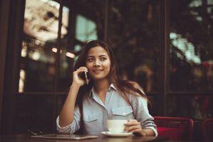 就活生必見!企業からの電話に折り返す際のマナー【電話例つき】のサムネイル画像