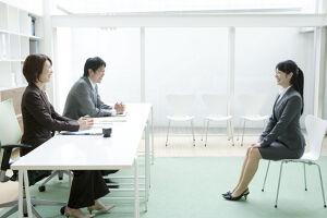 【就活】面接の練習で抑えるべきポイントを人事目線で解説!のサムネイル画像