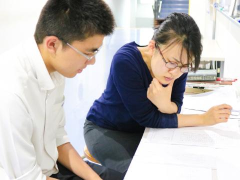生徒と一緒に悩み、共に問題を解決していく先生