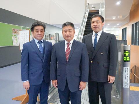 左から順に、茂木パパ、小谷野パパ、田中正勝先生。