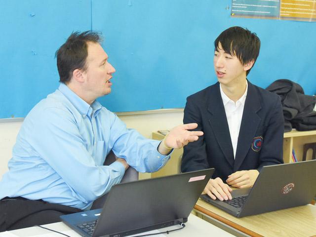 生徒の相談に熱心な指導