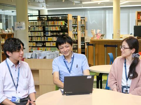 右から伊東佳奈美先生、石井信博先生、島田健杜先生。