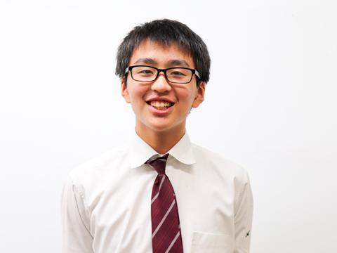全体を見渡してフォローするのが得意な中学3年生の副委員長・松田創志くん。