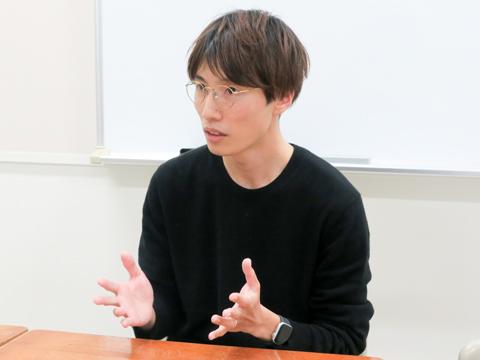 「生徒全員が心から楽しめる行事ができるように何度も教員会議を行いました」と話す生徒会指導副主任の坂本健一郎先生。