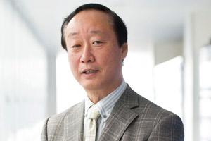 学校長 小山 貢 先生