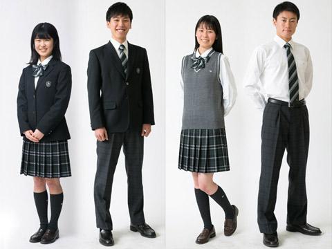 新しくなった大東一高の制服(左冬服・右夏服)