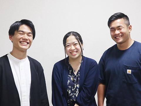 卒業生の及川さん、岩見さん、小川さん