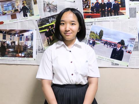 中学3年生の黒澤菜月さん。グローバルな舞台でリーダーシップを発揮する人材の育成を行う「グローバルリーダー特進クラス」に所属している。