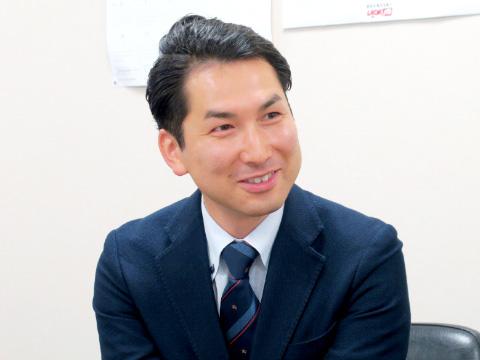 国際交流課の高橋嵩先生。