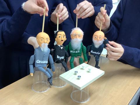 生徒が作った人形による英語の寸劇