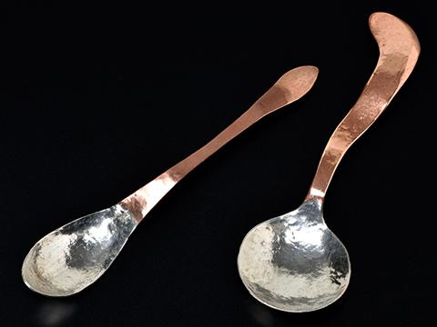 銅板からスプーンを作るユニークな課題も!