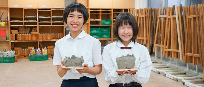 思い描いたイメージを形にする陶芸の授業