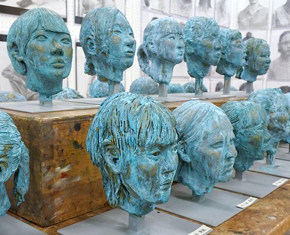 高3基礎実技「彫塑~友人像~」