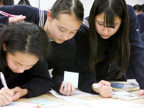 生徒たちは、ライバルではなく仲間として推薦入試に立ち向かう