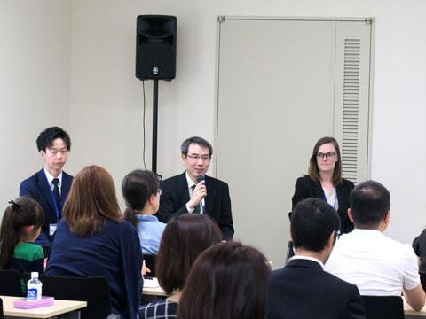 左から、理科の吉岡先生、数学の奥田先生、英語のメイトランド先生。