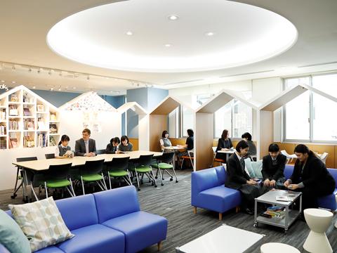 外国語でのコミュニケーションに特化した自立学習スペース「K-SALC」