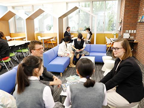 放課後にも細やかな学習サポートが受けられる。