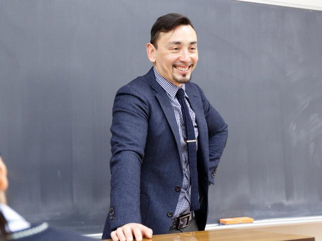 フランス語・中国語・韓国語から第二外国語を選べるトリリンガル教育