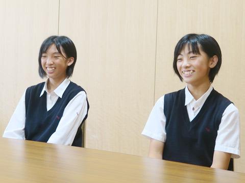 左:入江侑枝(ゆうき)さん 高校2年生、右:入江瑞枝(みずき)さん 中学2年生