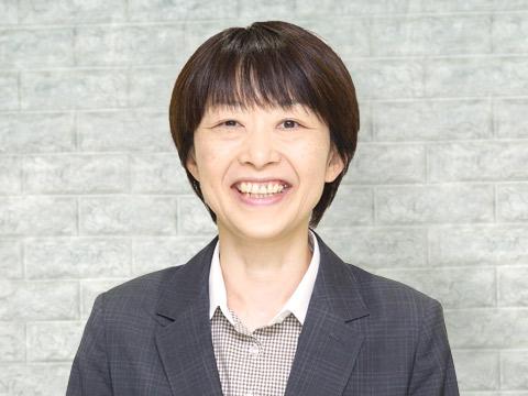 英語科主任・堀 美加先生
