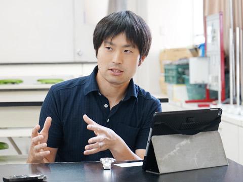 理系先進主任の中島遼先生