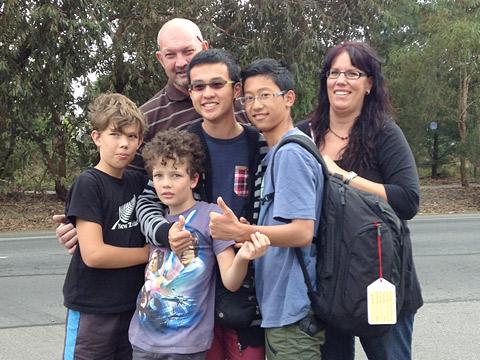留学中の生徒とホームステイ先の家族