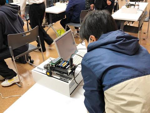 ロボットプログラミング体験会のようす
