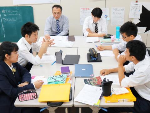 大学ゼミ相当の高レベルな日本語授業