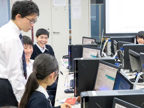 理工学部電気電子学科『マイクロコントローラーArduinoを使ったプログラミング』の授業
