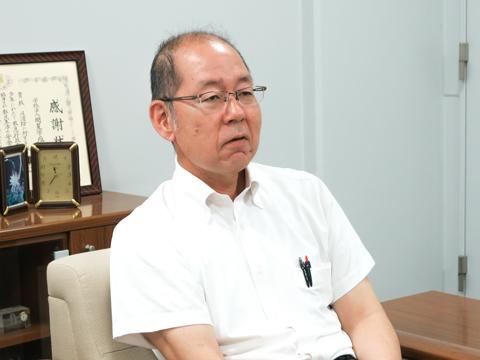 「スーパーMGSクラスでは、国公立受験を視野に入れた完全5教科型のカリキュラムを採用します」と語る松田先生。