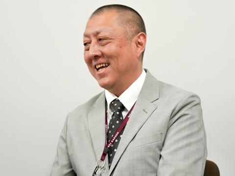 明星の敷地内にある幼稚園と小学校での事務経験があり、学苑全体の施設を熟知している入学広報室マネージャーの阿藤将先生