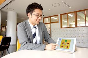 iPadの活用例を伝える阿部先生