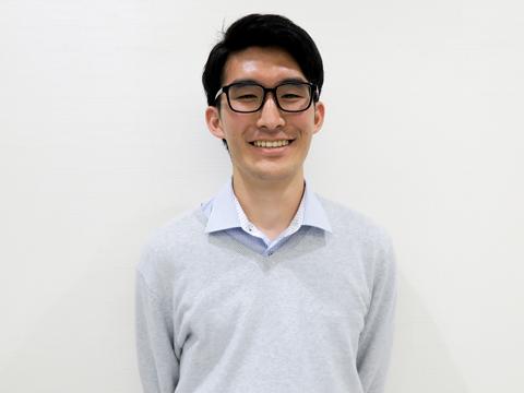 慶應義塾大学商学部に在学するチューターのKさん。