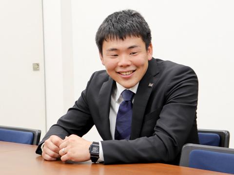 櫛田さんは日本体育大学体育学部体育学科を卒業し、2018年4月から武蔵野中高体育科教員として武蔵野に勤務。明るい笑顔で生徒を導いている。