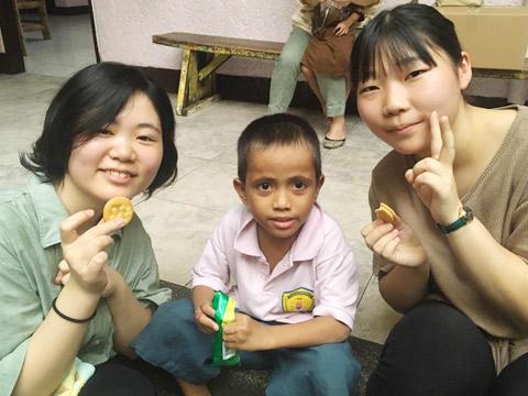 セブ島での孤児院訪問の様子