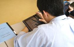 iPadを使いこなす生徒たち