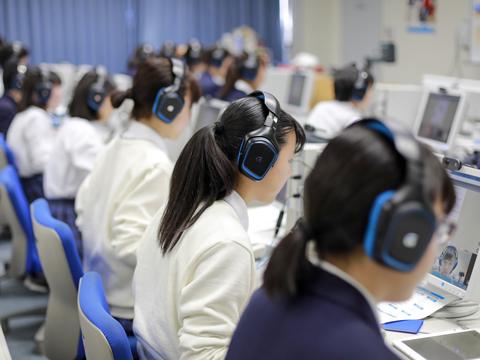 高校1年次のオンラインスピーキングは、2年次も継続したいという声が多く上がる。
