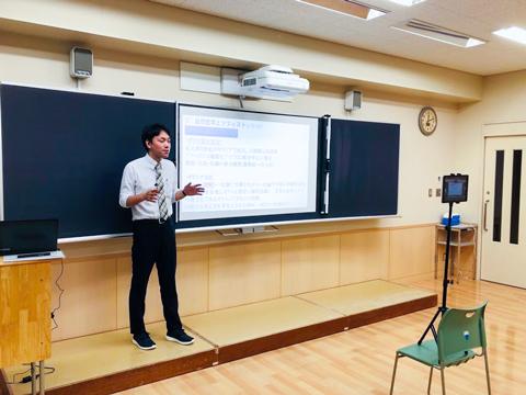 オンラインでも理解しやすいよう、各教科の先生方が工夫を凝らして動画を作成。先生によって工夫の仕方も異なり、画面を通してもその熱量が伝わってくる。