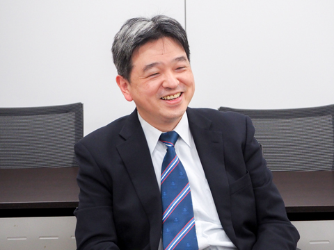今年4月に日大櫻丘へ赴任された千葉先生。「生徒も教師も生き生きしているのが本校の特徴です」