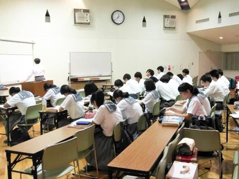 春にはSクラスのための勉強合宿を実施。日大櫻丘の先生が短期集中型の講義を行います