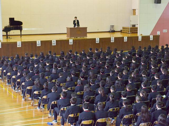 1年生校外教育(4月) 山梨県鳴沢村緑の休暇村で行われた3日間の校外教育。