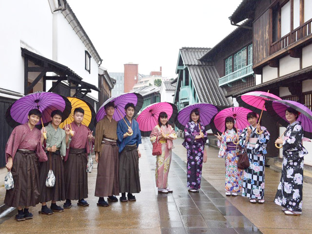 2年生修学旅行(10月) 長崎では平和学習を行った後、各々が街並みを楽しみました。