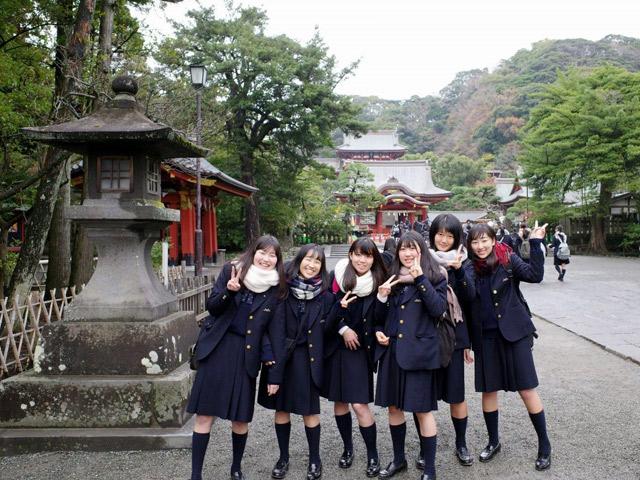 1年生校外教育(12月) 鶴岡八幡宮などを巡り、鎌倉の歴史に触れました。